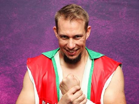 Laszlo Gains Momentum Against Scott