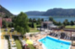 Ferienhotel mit Pool und Wasserrutsche