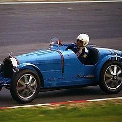 Bugatti_35_B_-_Nick_Mason_15.08.1981.jpg