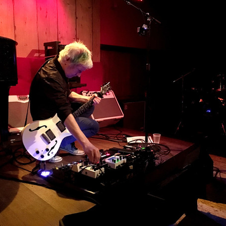 Gerry Leonard: the Spooky Ghost in Roger Waters Six-String Corps