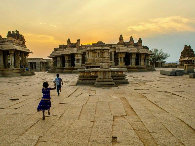 Vijaya Vitthala temple mercytrip.com
