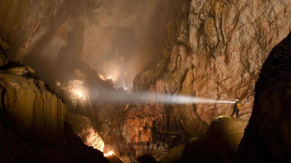 Hang Son Doong Cave, Vietnam    mercytrip.com