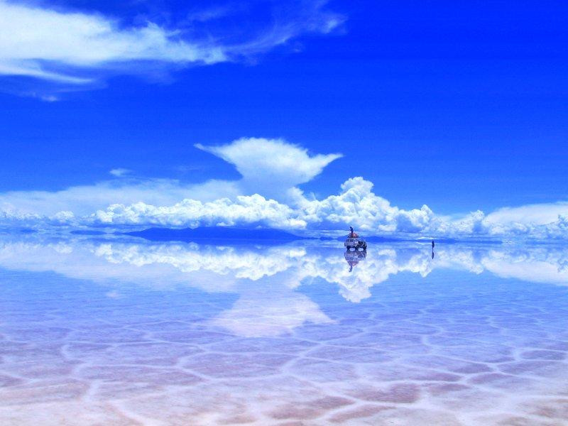 Salar de Uyuni, Bolivia    mercytrip.com
