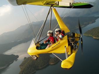 Chiang_Mai_Leichtflugzeug-1.jpg