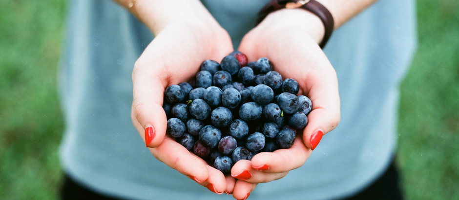 10 vitaminas para fortalecer unhas e cabelos