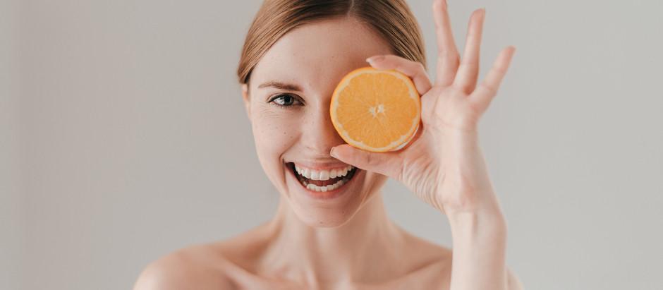 3 benefícios da Vitamina C para a pele do rosto