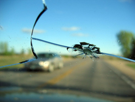 When to Repair or Replace a Damaged Windshield