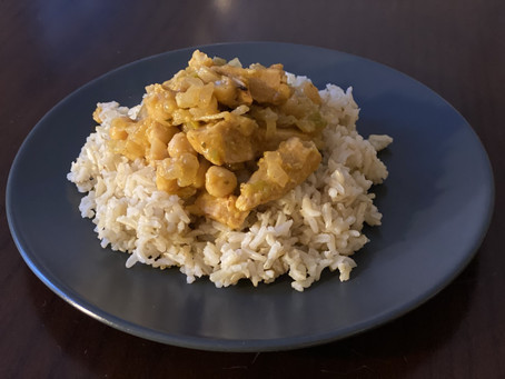 Succulent Chickpea & Chick'n Creamy Korma with Brown Rice 🍛. Sauce review!!🌱🌱🌱🌱🌱