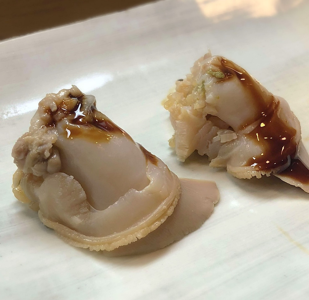 Real shigoto on the clam @ Sushi Isshin
