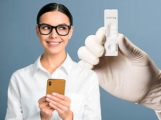 mulher celular covid.jpg