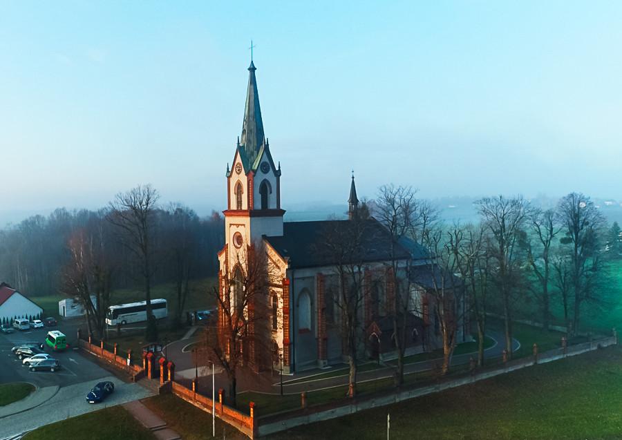 z-drona- kościół-w-osieku-