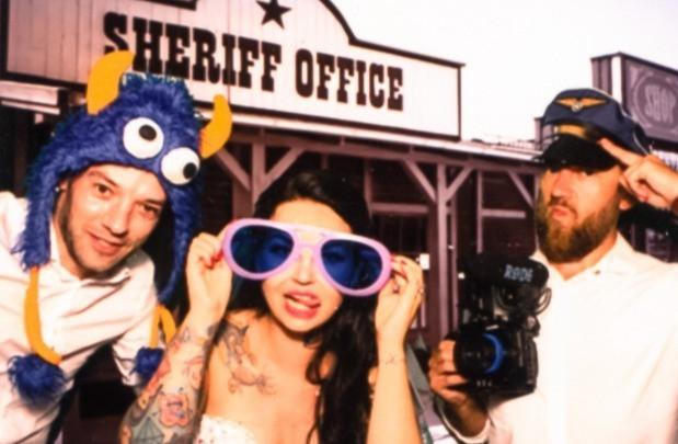 Aresztujemy młodą panią - Manolo Filmy, fotobudka, wesele, reportaż