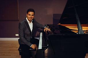 Chris-solo-pianist-wedding-yorkshire-sho
