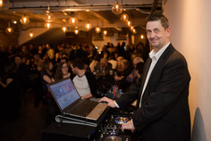 showbott-entertainment-wedding-music-showcase-leeds-dj-eddie
