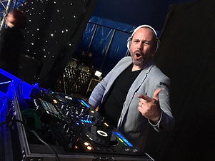 dj-mark-yorkshire-wedding-and-corporate-
