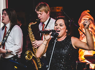 turn-it-up-wedding-band-yorkshire-showbo