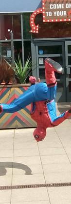 heroes-character-costume-hire-showbott-e