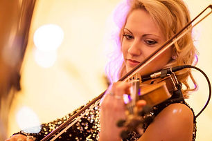 Eclectic-Violinist-london-showbott-enter