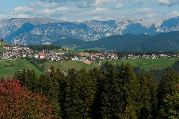 Deutschnofen Dorf Herbst - Othmar Seehau