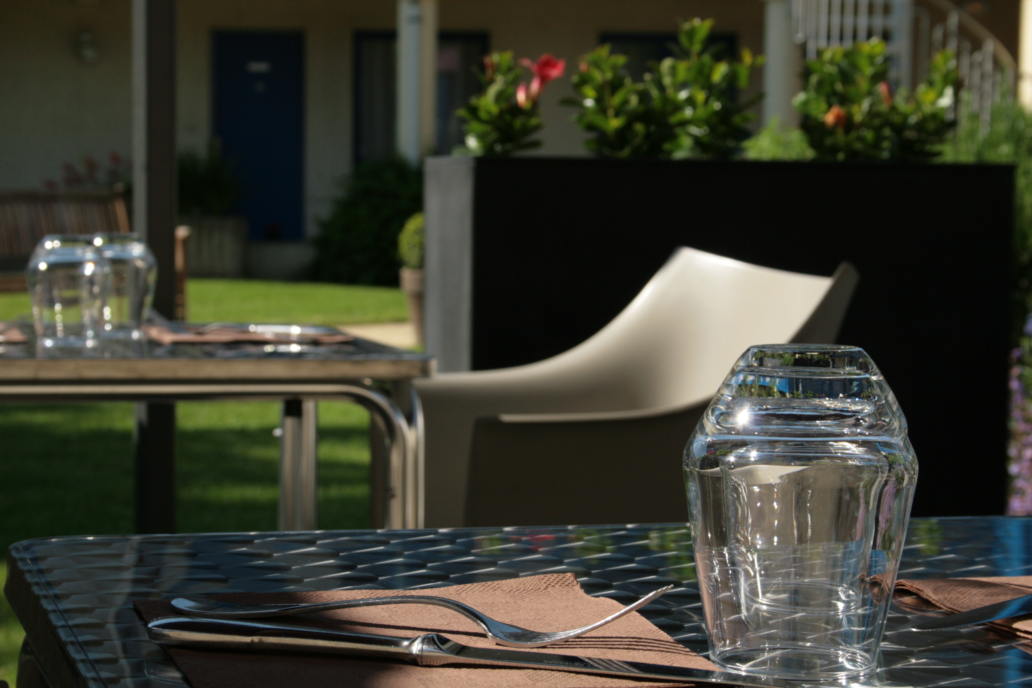 Table-de-terrasse-Capricorne