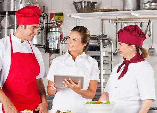 kitchen%20supervisor%20lady%202_edited.j