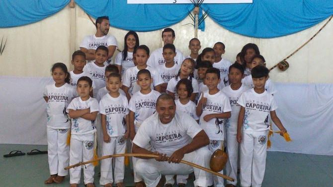 Troca de cordas da Capoeira