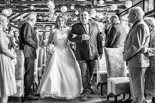 Hochzeitsfotograf Harz Braut Vater Altar