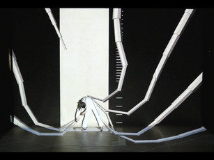 Spazio al fantastico con i robot danzanti di ACCALIA e con un insolito SCHIACCIANOCI in chiave pop