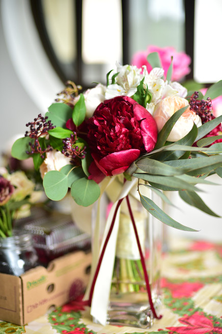 Bouquet of peonies and David Austin roses