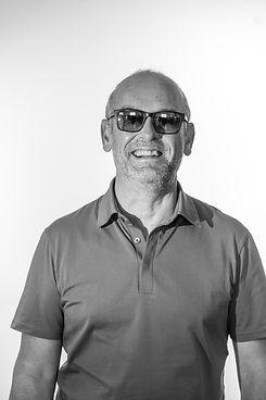 Philippe Roy, responsable Recherche et développement chez MB Production Nantes, entreprise de fabrication de lunettes en France à Nantes