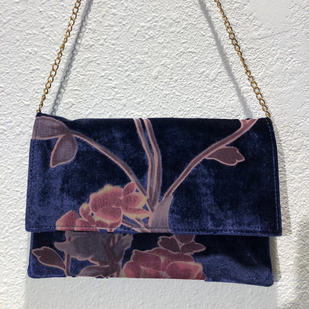 Blue Velvet Clutch w/shoulder chain $39