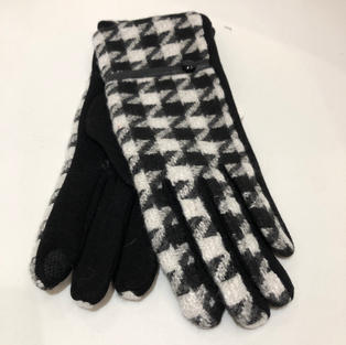 Hounds Tooth Touch Screen Gloves $14.95