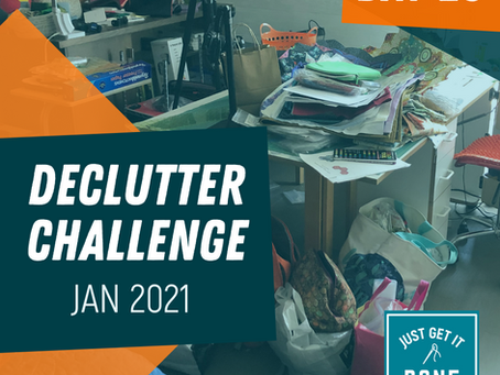 DECLUTTER CHALLENGE - DAY 20 - CONTAINERS AND BAGS