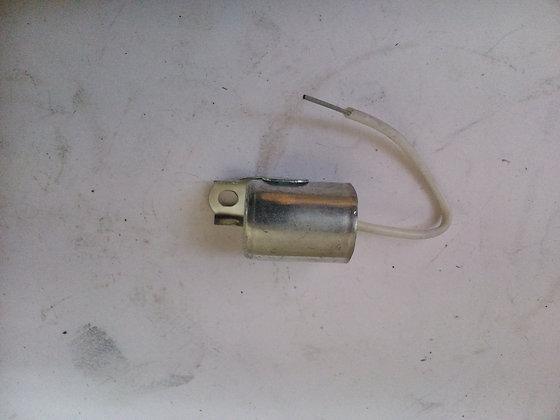 12V kondencator IZ