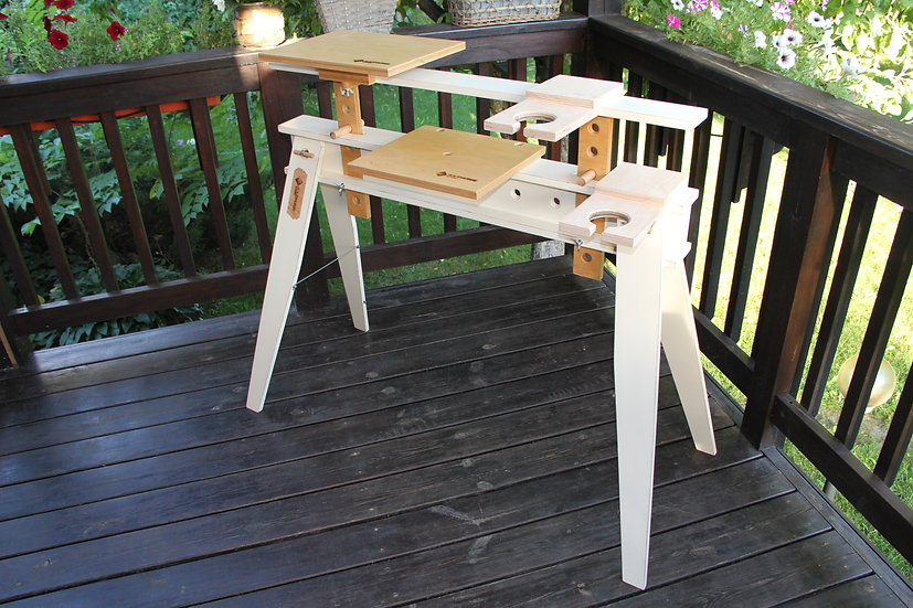 Table for a laptop transformable, adjustable in height, plywood table.
