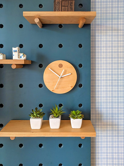 Plywood clock for pegboard organizer. Accessories for pegboards.