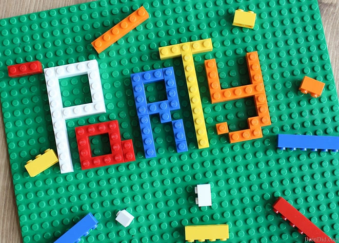 Bren-Did-How-to-Make-Lego-Invitations-8.