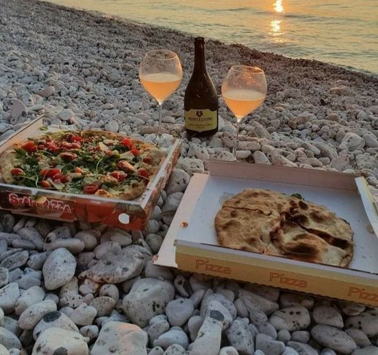 pizza on beach