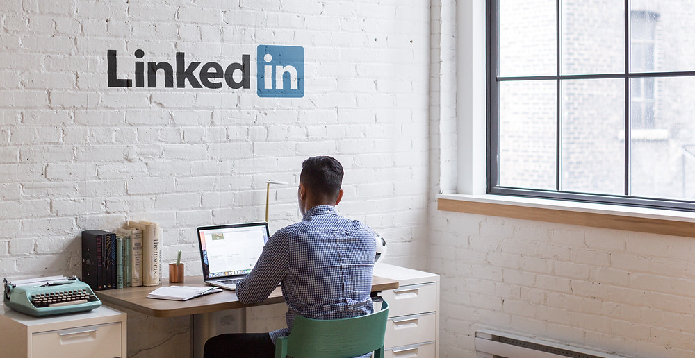 Geekbidz: Keeping your social media profiles, especially your LinkedIn profiles, up-to-date when job hunting