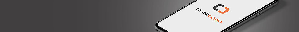 Celular com tela mostrando o logotipo da Clinicorp