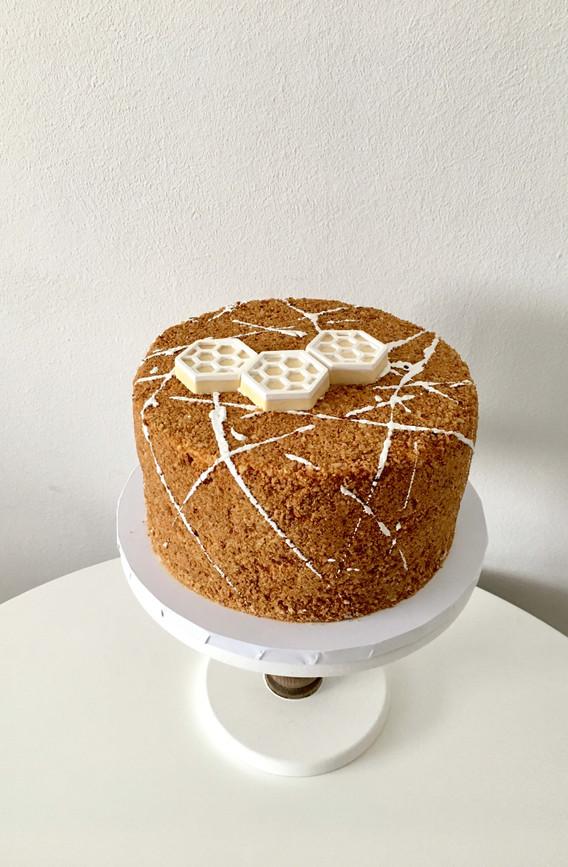 Round Russian Honey Cake