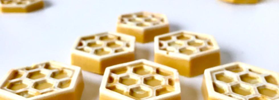 Caramelised White Chocolate Honeycombs