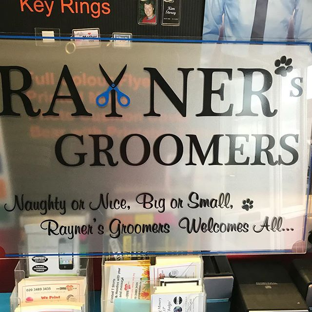 _raynersgroomers #displaysign #acrylic #qualitysigns #workstyle