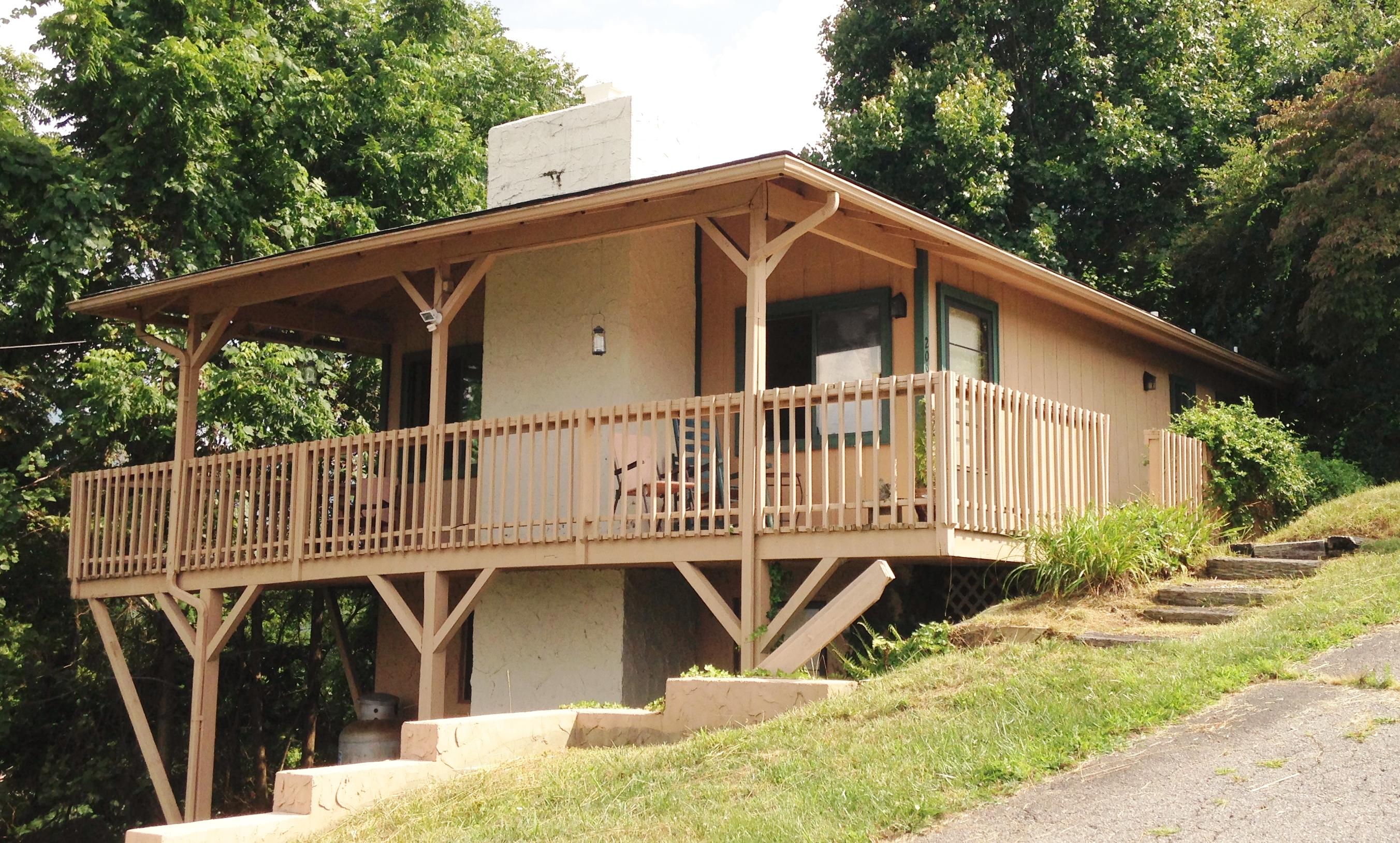 209 Lloyds Mtn Ridge, Waynesville