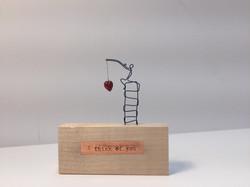 Wooden kisses