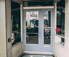 Automatic-entry-commercial-doors.jpg