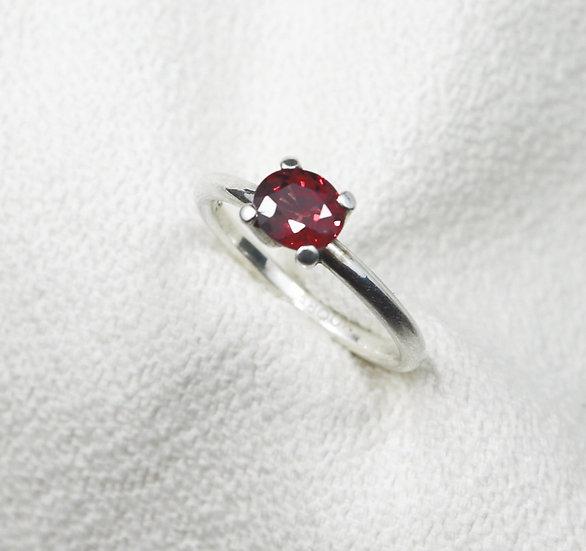 New Star ring -  Garnet