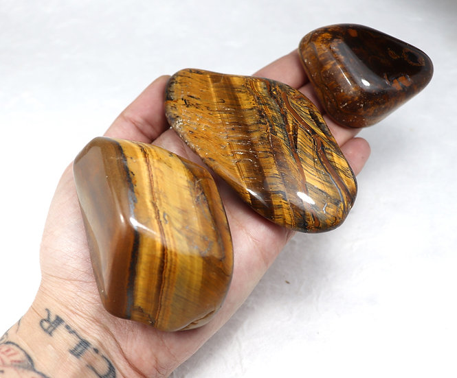Tiger eye tumbled - Stone of balance and anti anxiety.  Big size