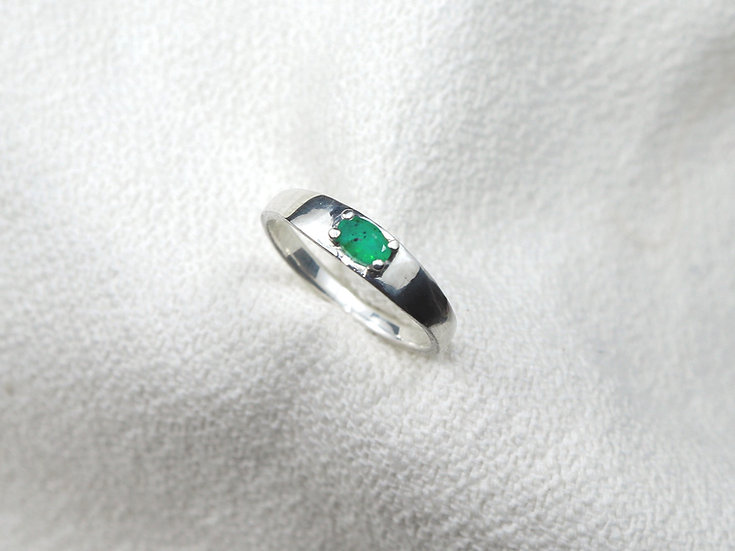 True Story ring - Emerald