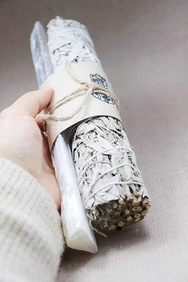Californian White Sage Smudge Stick with Selenite package